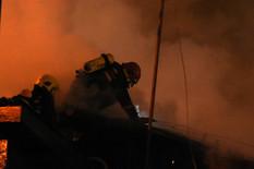 VELIKI POŽAR NA NOVOM BEOGRADU Gori vrh solitera, evakuisana cela zgrada