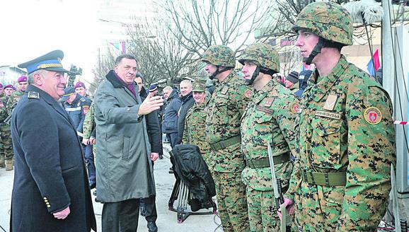 Pričom o ujedinjavanju Srba iz Srpske, Srbije i Crne Gore, Milorad Dodik je zapalio region