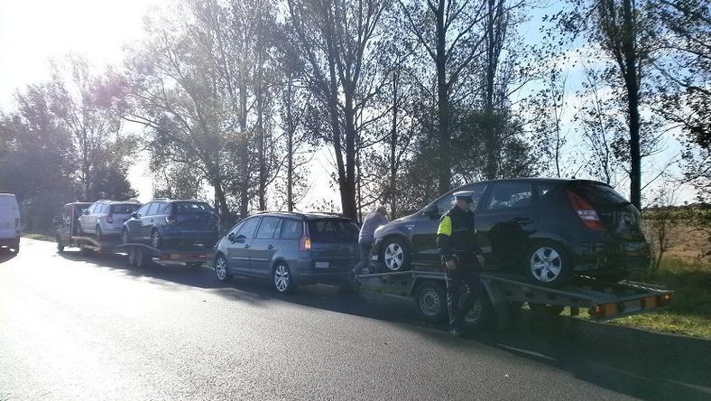 Cztery auta holowane z Danii do Stargardu. Policja: niczym pociąg