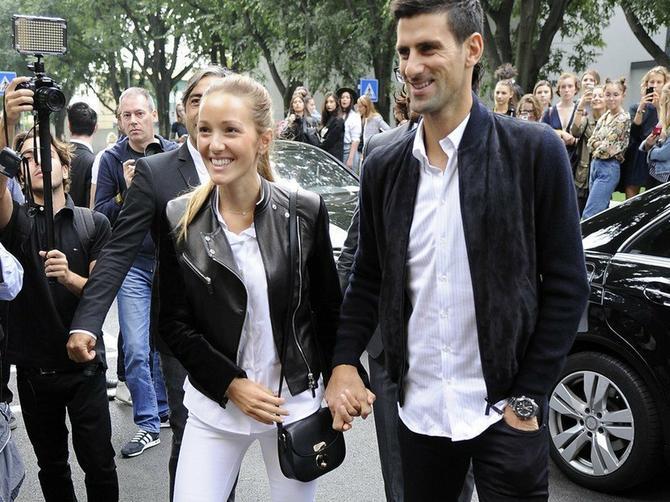 Sa ovim muškarcem Đokovići vode važne razgovore:Jelena je Novaka povezala sa njim, a on je oduševljenim svetskim asom