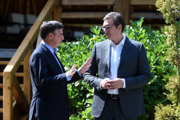 Mekalister i Vučić