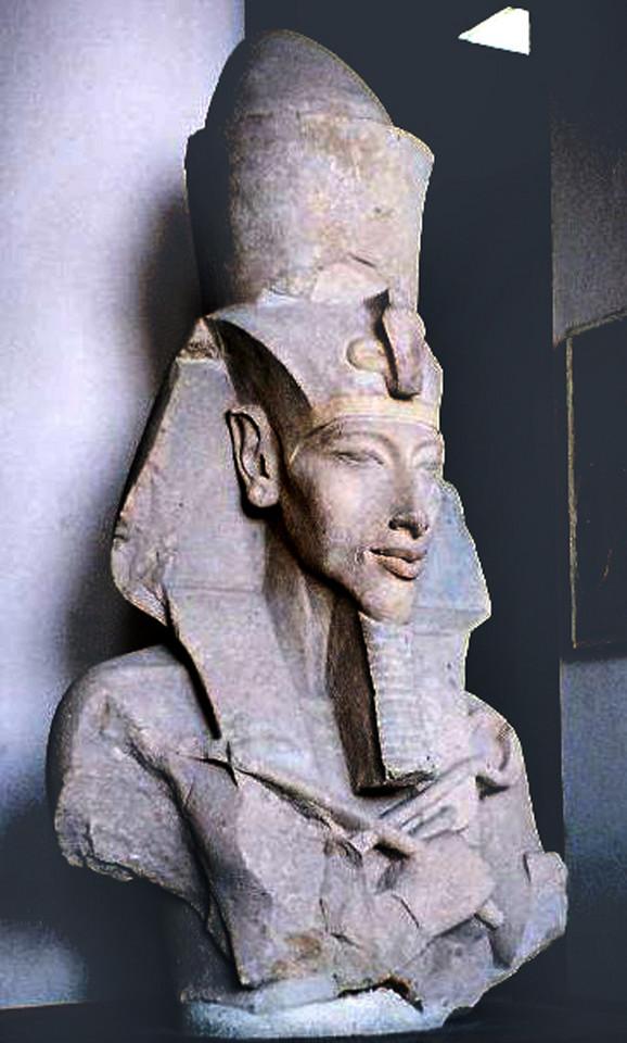 Faraon Ehnaton, koje se ranije zvao Amenhotep IV