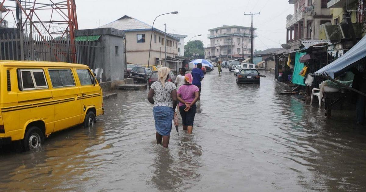 If you live in Lagos, you should consider buying a canoe and here's why - Pulse Nigeria