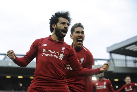 Mohamed Salah i Roberto Firmino slave gol Liverpula