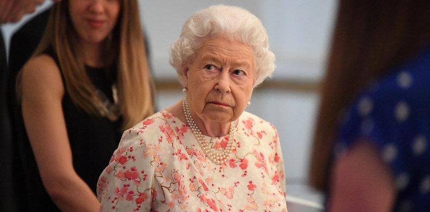 Królowa Elżbieta II trafiła do szpitala! Co się stało?