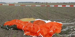 Dwa spadochrony zawiodły. 40-latek zginął na miejscu