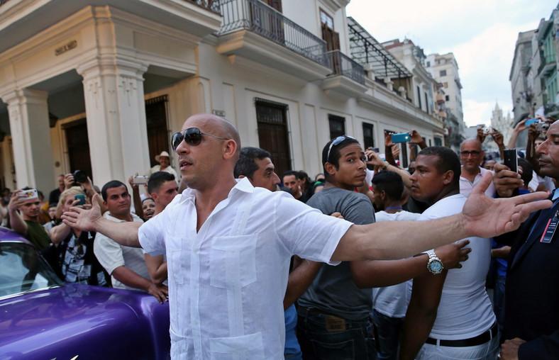 Vin Diesel na głównej promenadzie Hawany – El Paseo del Prado