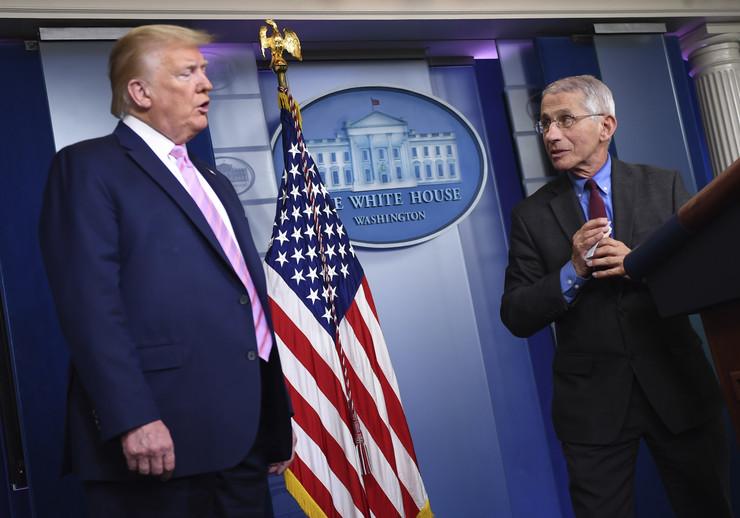 Donald Tramp i Entoni Fauči