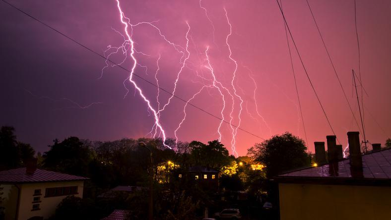 Zmienna pogoda i kolejne burze. IMGW ostrzega
