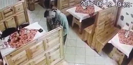 Bezczelny złodziej okradł klientów restauracji. Wszystko sięnagrało