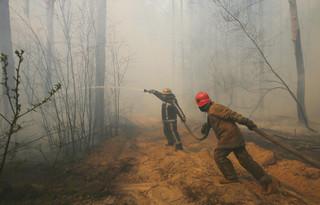 Pożar wokół elektrowni w Czarnobylu dotarł do Prypeci. Jest 2 km od składu odpadów