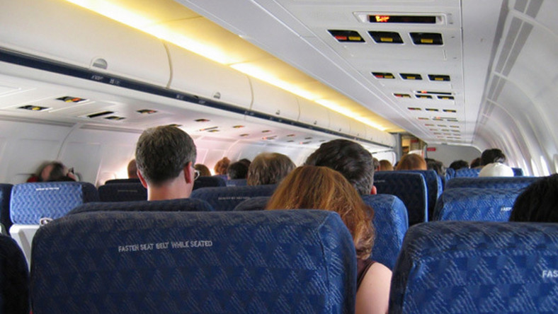 Koniec z filmami w samolotach