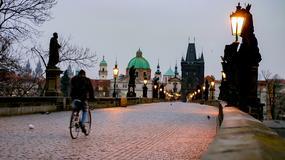 Zakaz jazdy rowerem w ścisłym centrum czeskiej Pragi
