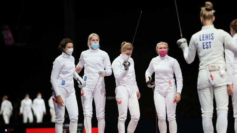 Polskie szpadzistki, w składzie (od lewej): Renata Knapik-Miazga, rezerwowa Magdalena Piekarska-Twardochel, Ewa Trzebińska i Aleksandra Jarecka