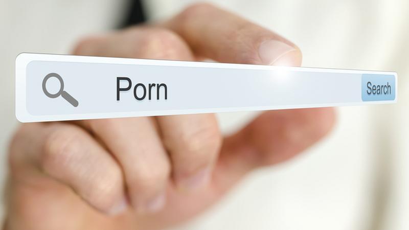 Szex és lájk és közösségi média kedvező áron az eMAG-nál!