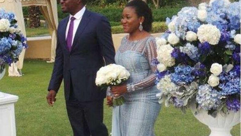 Ali Baba and wife mark 10th wedding anniversary, renew wedding vows