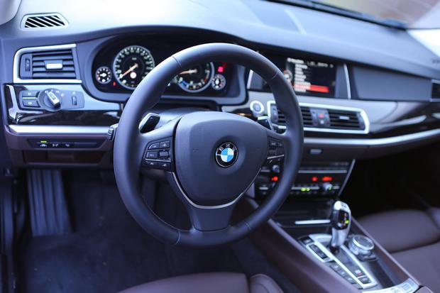 Kokpit w BMW 5 GT