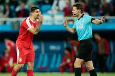 KAKO SU GA UOPŠTE PUSTILI NA SVETSKO PRVENSTVO?! Sudija Brih REŽIRAO jedan od najbizarnijih golova SVIH VREMENA!