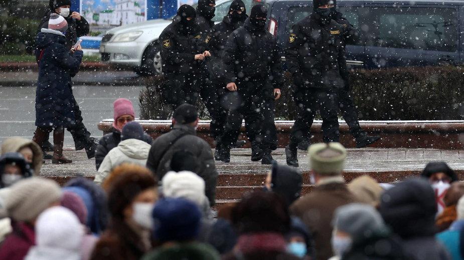 Zdj. ilustracyjne, wykonane w Mińsku podczas marszu seniorów 14.12.2020