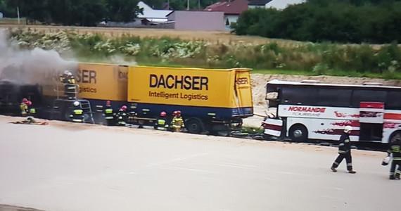 Bogusławice: Zderzenie dwóch ciężarówek i autokaru. Wiele rannych