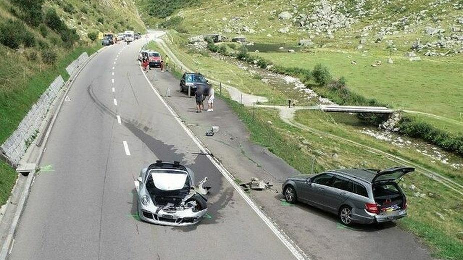 Cena tego wypadku jest wysoka. Zderzyły się Porsche, Bugatti i kilka inny aut
