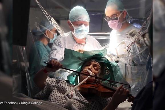 Dok su lekari izvodili komplikovanu operaciju NA MOZGU, pacijentkinja je SVIRALA VIOLINU (VIDEO)