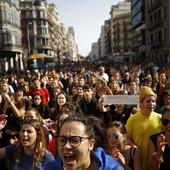 Širom Katalonije protesti protiv presuda separatista: Auto-put do Barselone BLOKIRAN, kao i stanice metroa i aerodrom (FOTO, VIDEO)