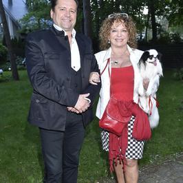 Małgorzata Potocka z narzeczonym i psem na imprezie