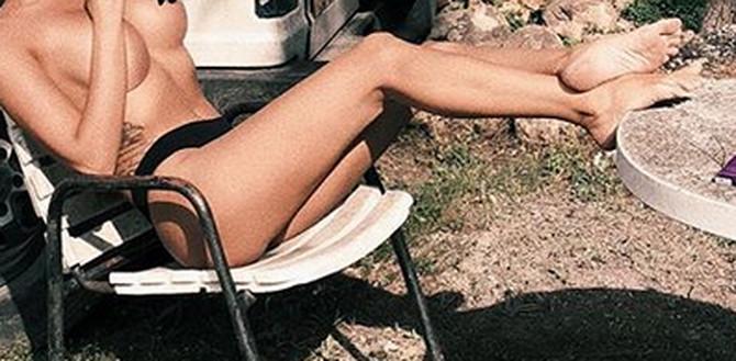 Lepa Bugarka skreće pažnju na sebe golišavim fotkama