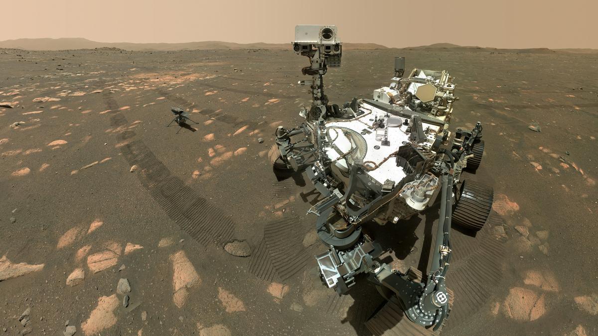 Történelmi jelentőségű fotó: elkészült az első szelfi a Marson