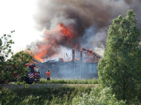 Pożar hotelu robotniczego w Kwadijk w Holandii. 51 Polaków uratowanych - fakt.pl