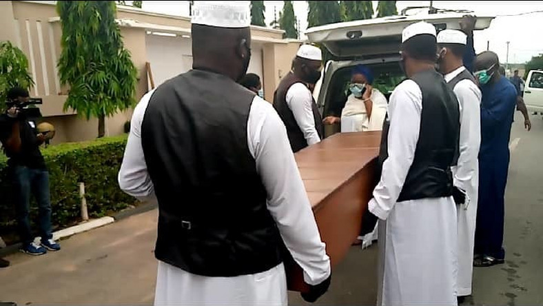 Ajimobi's body arrived for burial at his Ibadan home (Premium Times)