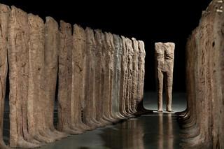 Dzieło Abakanowicz z rekordową wyceną na aukcji w Polsce