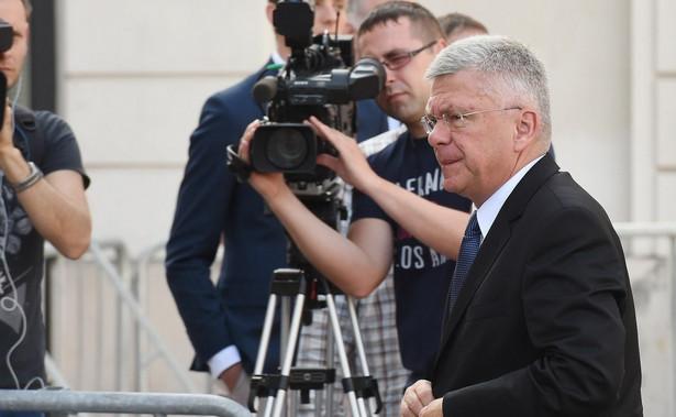 """Zdaniem Karczewskiego zmiany w funkcjonowaniu wymiaru sprawiedliwości są """"niezbędne dla zwykłych obywateli, by procesy nie ciągnęły się zbyt długo, by zapadały dobre wyroki, by każdy w Polsce miał poczucie sprawiedliwości"""""""