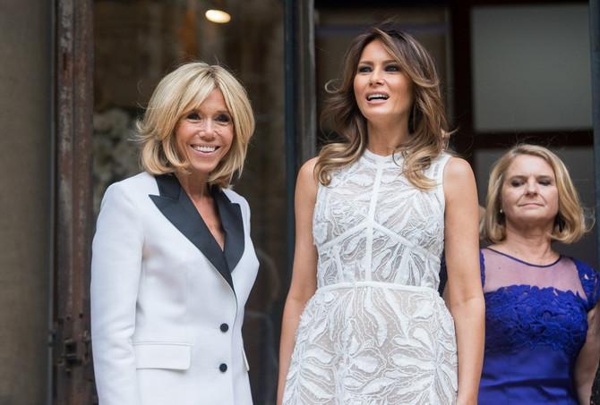Slika o kojoj se pričalo: Brižit Makron, prva dama Francuske, Melanija Tramp, prva dama Amerike i Malgorzata Tusk, supruga premijera Poljske Donalda Tuska
