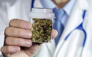 Sejm za leczniczą marihuaną: Wszystkie kluby poparły dostęp do preparatów z konopi