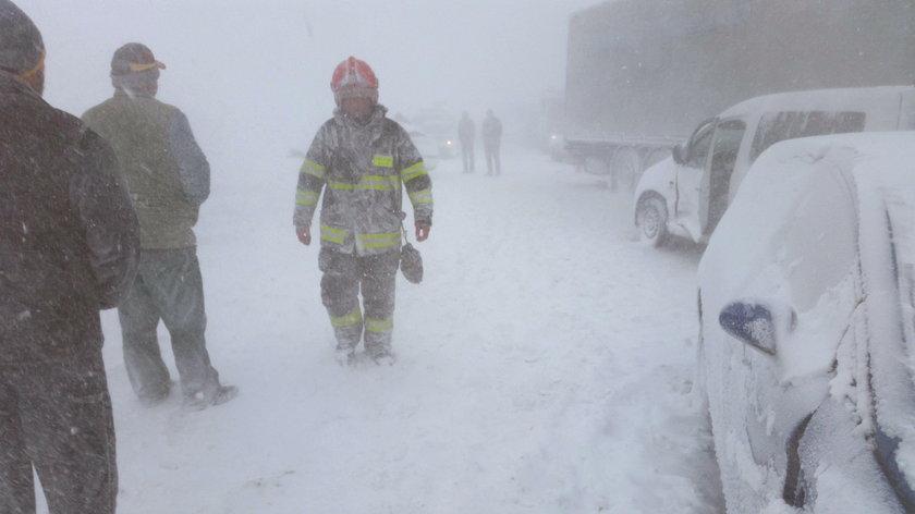 Potężny karambol w Tatrach! Zderzyło się 40 samochodów
