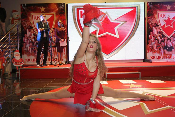 Plesna tačka na promociji kalendara KK Crvena zvezda