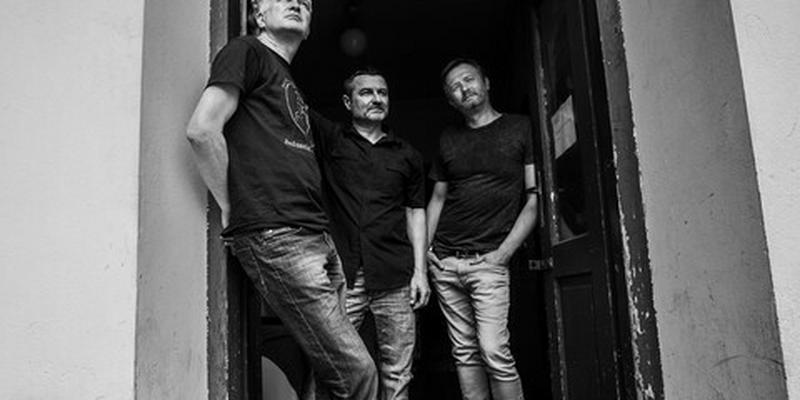 Dezerter: punk rock to zgrana stara płyta, w dodatku często nudna [WYWIAD]