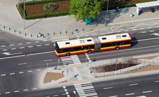 """Stan pojazdu sprawdzisz online. Ministerstwo Cyfryzacji zachwala e-usługę """"Bezpieczny autobus"""""""