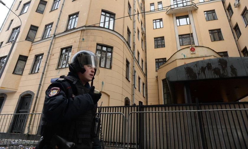 Ambasada Turcji w Moskwie obrzucona kamieniami