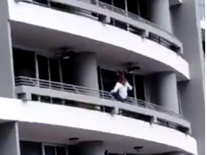 Majka dvoje dece pokušavala da napravi SAVRŠEN SELFI na 27. spratu, pa otišla direktno u SMRT!