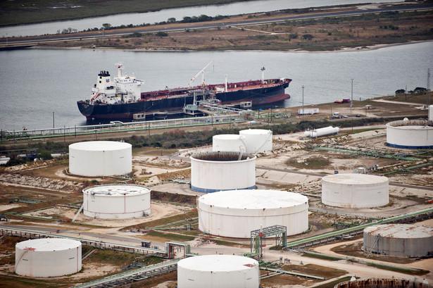 Zbiorniki na ropę w porcie Corpus Christi w Teksasie.