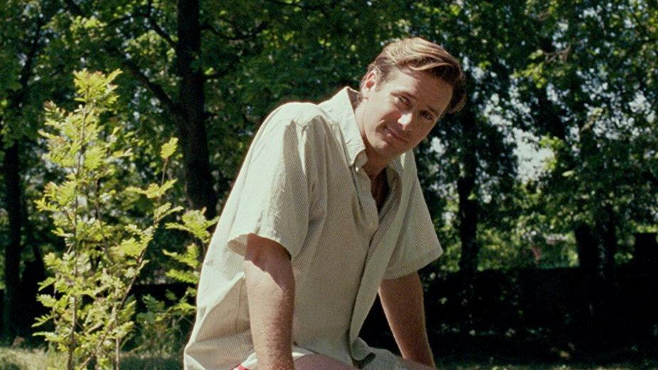 """Kadr z filmu """"Tamte dni, tamte noce"""". Na zdjęciu: Armie Hammer"""