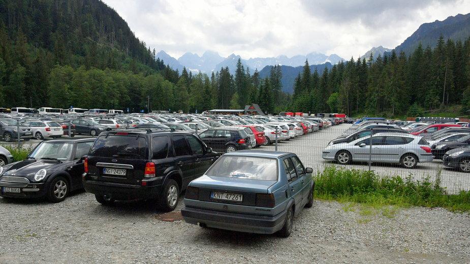 Parking na drodze do Morskiego Oka, Tatry