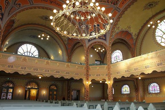 Raskošna untrašnjost sinagoge