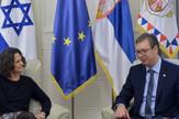 Alona Fišer Kam, Aleksandar Vučić