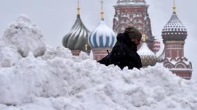 Moskwa zasypana śniegiem. Spadło już 80 procent rocznej normy