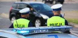 Policjant ścigał agresywnego mężczyznę. Został raniony nożem