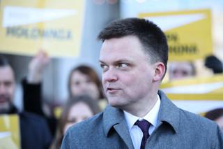 Hołownia przeprasza za błąd. 'Nie powinno się robić polityki na Smoleńsku'